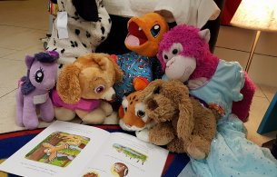 Teddies reading The Gruffalo