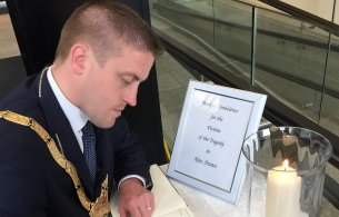 Book of Condolence signing by An Cathaoirleach