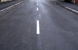Picture of white lines on roadway