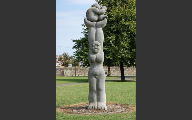 photograph of the limestone sculpture Celebration by Dick Joynt in Glasthule