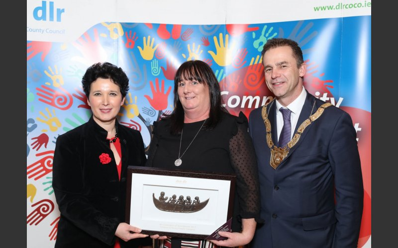 Michelle Buckley (centre) Children and Young People Category, pictured with Dearbhla Lawson, Director of Community and Cultural Development and An Cathaoirleach Councillor Tom Murphy.