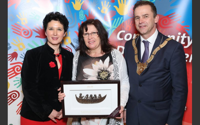 Sandra Maguire (centre) on behalf of Toby Mole, Children and Young People Category, pictured with Dearbhla Lawson, Director of Community and Cultural Development and An Cathaoirleach Councillor Tom Murphy.
