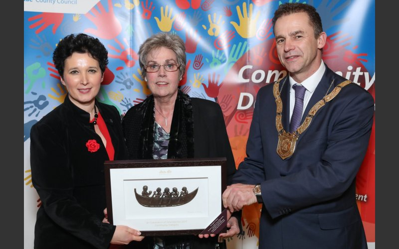Sheila Hurley (centre), Community Category, pictured with Dearbhla Lawson, Director of Community and Cultural Development and An Cathaoirleach Councillor Tom Murphy.