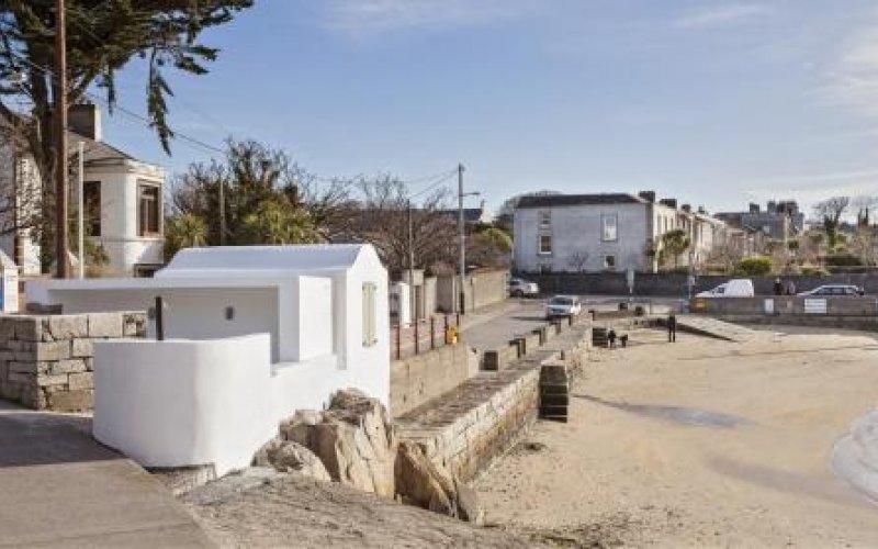 Sandycove Beach