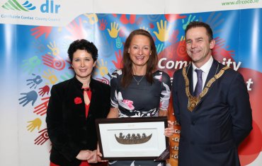 Olwyn Dunne (centre), Sports and Recreation Category, pictured with Dearbhla Lawson, Director of Community and Cultural Development and An Cathaoirleach Councillor Tom Murphy.